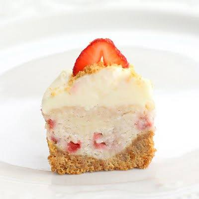 Strawbery Cheesecake Cupcakes