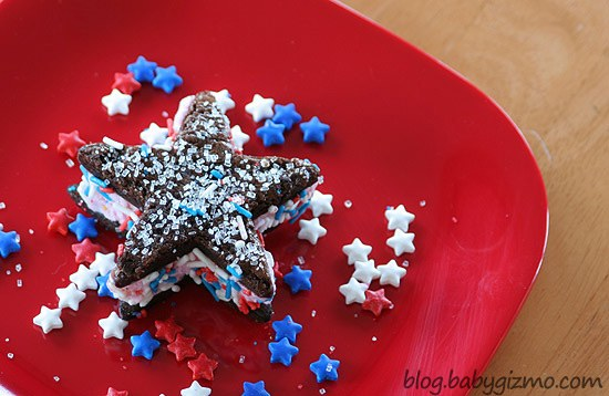 Ice Cream Starwiches on red plate