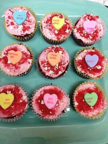 valentines cupcakes on blue plate