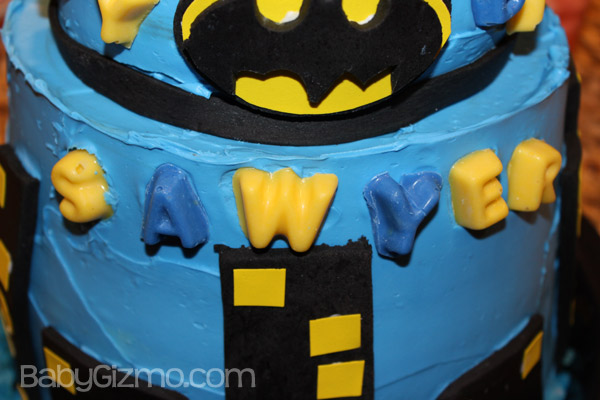 How to Make a Batman Cake