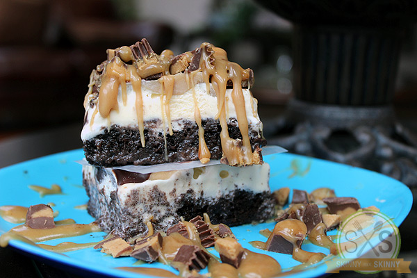 Peanut Butter Cup Dessert stacked on a blue plate